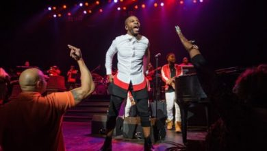 Photo of Kirk Franklin – Something About the Name Jesus (Medley)