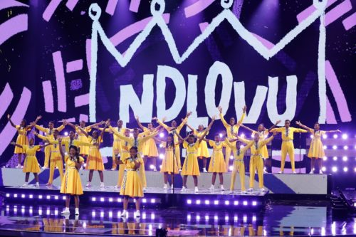 Photo of Ndlovu Youth Choir – Jaba Jaba (Get the vaccine)